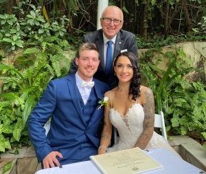 Antoinette and Aaron Wedding at Boulevard Gardens with Brisbane Celebrant Michael Janz